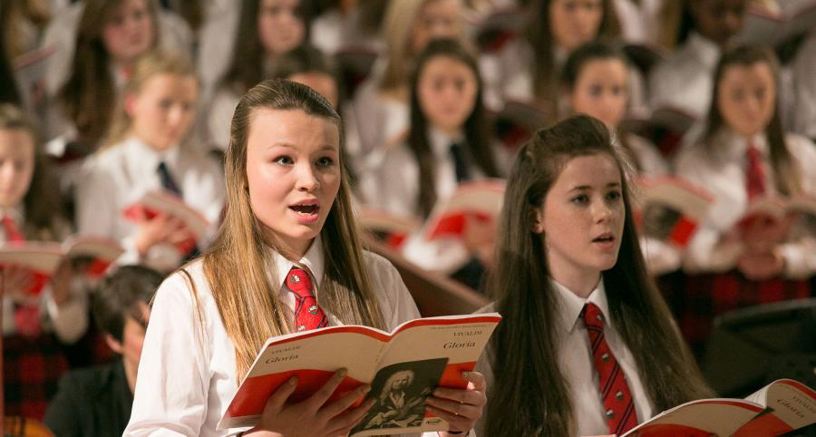 Mary Erskine girls sing carols